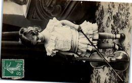 Enfant - Instrument De Musique - Violon - Enfants