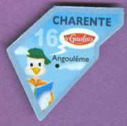 Magnet Le Gaulois : Département De La CHARENTE N° 16 Angoulême Lecteur Livre - Magnets