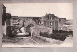 CPA - Arromanches (14) - 29. Rue De Bayeux Vue De La Falaise .- LL - Arromanches