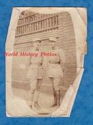 Photo Ancienne - SEVIGNAC - Portrait De Militaire , 3e Régiment Et Un Avec Col Particulier - Guerra, Militares