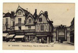 Cpa N° 56 AUXERRE Vieilles Maisons Place De L' Hôtel De Ville - Auxerre