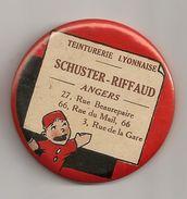 Miroir Publicitaire Rond, De Sac Ou De Courtoisie. Teinturerie Lyonnaise. Schuster-riffaud Angers. Guignol - Other