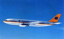 "AVIONS / AEROPORT   /  L 21   /   HAPAG LLOYD    ""    /   AIRBUS A 300  /     ""   CPM / CPSM  10 X 15 - 1946-....: Moderne"