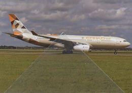 Airbas Etihad Airways A 330-200 Airines A330 Avion A.330 Aviation A-330 A6-EYK - 1946-....: Era Moderna