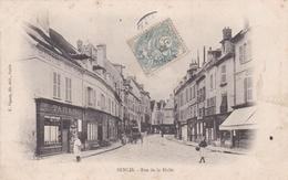 CPA  De  SENLIS  (60)  -   Rue  De  La  Halle     // TBE - Senlis