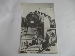 Locomotive Supposé D'un Pays De L'est - Postales