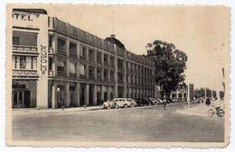 BELGISCH CONGO - ELISABETHVILLE /LUBUMBASHI HOTEL LEOPOLD II /OLD CARS - 1953 - Lubumbashi