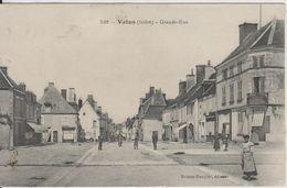 D36 - VATAN - GRANDE RUE (CAFE - COIFFEUR - CHAUSSURES - HOMME EN UNIFORME) - Autres Communes