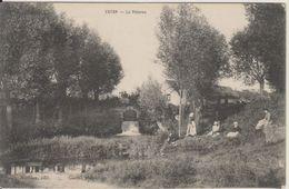 D36 - VATAN - LA POTERNE - (HOMME AVEC ENFANT SUR SES GENOUX - FEMMES) - Sonstige Gemeinden