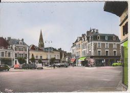 D36 - ARGENTON SUR CREUSE - LA PLACE ET L'HOTEL DE VILLE - (CITROEN 2CV -2CV FOURGONNETTE - ETC ...) CPSM Grand Format - Frankreich
