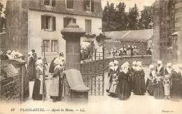 PLOUGASTEL APRES LA MESSE - Plougastel-Daoulas