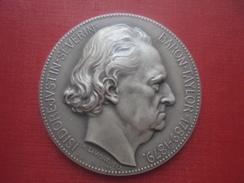 Médaille. Isidore Justin Séverin Baron Taylor 1789-1879. Asso Des Artistes Peintres Sculpteurs Architectes Graveurs Des. - Francia