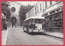 CPSM - 13 - MARSEILLE-MAZARGUES - RUE EMILE ZOLA + CAR - France