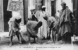 MAROC CASABLANCA PRISONNIERS FAISANT LE NETTOYAGE DES RUES - Casablanca