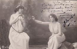 FEMMES--voir 2 Scans - Femmes