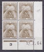 N° 92 Timbres Taxes Type Gerbes Légende REPUBLIQUE FRANCAISE 0,20c Brun-Olive: Un Bloc De 4 Timbres Coins Datés 12.2.64 - Coins Datés