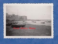 Photo Ancienne - TRAPANI , Sicile - Remparts Sur La Mer - Plage / Port - Sicilia Italia - Bateaux