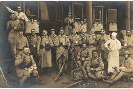 CPA N°5213 - CARTE PHOTO + WAGON DE TRAIN PAUSE REPAS ET CUISTOT - BELLE CARTE - Regimenten