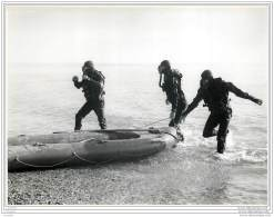 Press Photo - UK - PORTSMOUTH - Course At The Royal Marine Commandos Underwater Swimming School - Frogmen 1953 (2) - Métiers