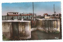 CPSM Saint Valery Sur Somme Les Ecluses ( Canal De La Somme Ecluse Fermée Passage Train ) - Format 9/14 Cm Combier - Saint Valery Sur Somme