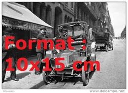 Reproduction D'une Photographie D´une Renault Taxi à Paris En 1919 - Repro's