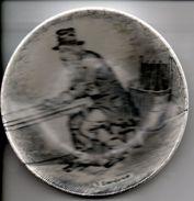 Schoteltje Bordje  Eau De Vie Boch Diameter 11.50cm Petit Plat - Autres Collections