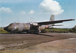 PARACHUTISME--Embarquement Transall-- N° 15--photo P. DUJARDIN  PAU---voir 2 Scans - Paracadutismo