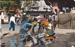 CENTRAFRICAINE--RARE---BANGUI--le Marché Central--voir 2 Scans - Centrafricaine (République)