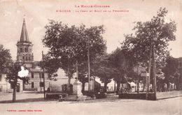 Rieumes La Croix Et Bout De La Promenade - France