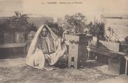 Maroc - Tanger - Lot De 2 CPA  - Architecture  Place De La Casbah +Thé  Fatma Sur Sa Terrasse  . Voir 2 SCANS - Maroc