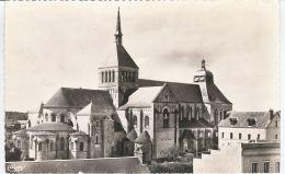 CPSM 45 - Saint Benoit Sur Loire - La Basilique - Coté Nord - Francia