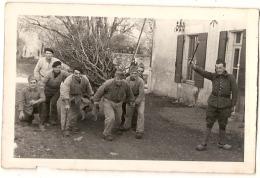 ---- 64 ----- MILITARIA -   Groupe De Soldats - Neuve Pas D'indication - Régiments