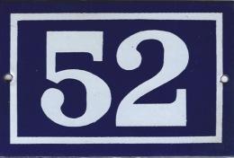 Plaque émaillée Rue 52 - Advertising (Porcelain) Signs