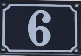 Plaque émaillée Rue 6 Ou 9 - Advertising (Porcelain) Signs