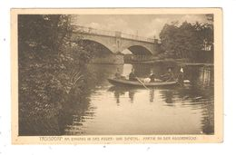 CPA TROIDORF Am Eingang In Das Agger & Siegtal Partie An Der Aggerbrücke Barque Avec Passagers Cours D'eau Pont - Troisdorf