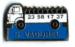 CAMION - C44 - S. VADUREL - Verso : SM - Pin's & Anstecknadeln