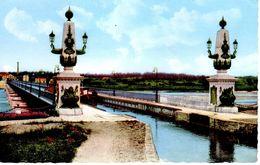 Briare Le Pont Canal Sur La Loire / 2scan - Briare