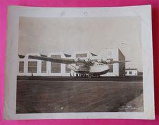12 Décembre 1934 Photo Avion China-Clipper Devant Hangar Texaco éditeur Photo The Glenn L Martin Co Dos Scanné 28x21.7cm - Aviation Commerciale