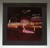 Diapositive En Couleurs Des Années 1960 - Paris - Pigalle - Diapositives