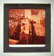 Diapositive En Couleurs Des Années 1960 - Espagne - Grenade - Alhambra - L'alcazaba De L'Alhambra - Dias
