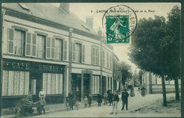 28.EURE Et LOIR. LAONS Café De La Place ,(café DROMER . Beau Plan Animé Dont Tricycle TB. - France