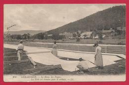 CPA Gérardmer - Le Blanc Des Vosges - La Toile Est étendue Pour Le Séchage - Gerardmer