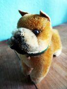 Boxer-Steiff-mit-Knopf-im-Ohr - Steiff Animals