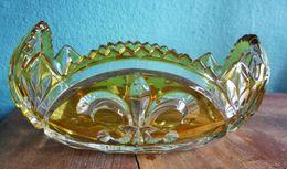 Elegante-Bonbonniere-mit-weiss-und-gelb - Glas & Kristall