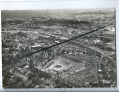 CPM  - Dieppe  -(S.-Inf.) - Vue Générale Aérienne - Au 1er Plan , La Rue De Paris - Dieppe