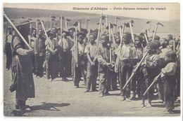 Cpa Missions D'Afrique - Petits Garçons Revenant Du Travail    (S.2025) - Cartes Postales