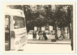 Autocar -  Devant L'arrêt - Bus & Autocars