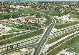 CPSM Chilly-Mazarin L'Autoroute - Le Groupe Industriel - Chilly Mazarin
