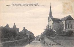 SASINT MICHEL DE LA ROE - L'église - Le Presbytère - Vue Prise De La Route De La Selle Craonnaise - Frankreich