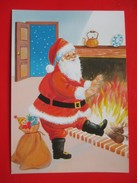 H4-Postcard- Santa Claus He Warmed Himself In Front Of The Fireplace - Santa Claus